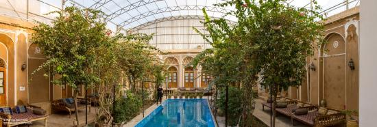 Yazd-Traditional-Kohan-Hotel